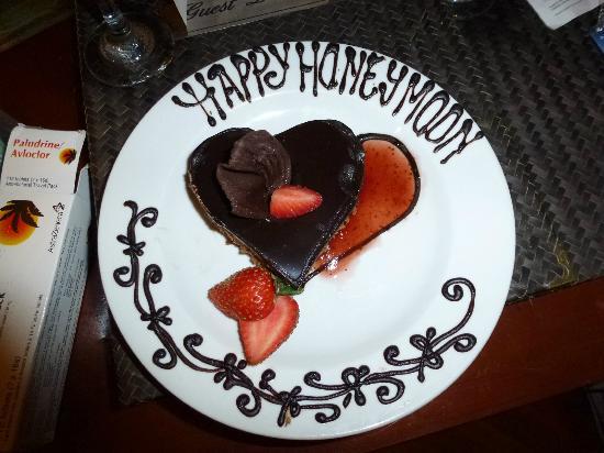 Prama Sanur Beach Bali: Honeymoon cake