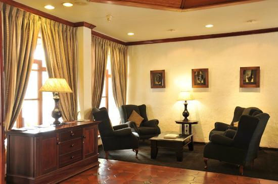 Hotel Promenade: Inside