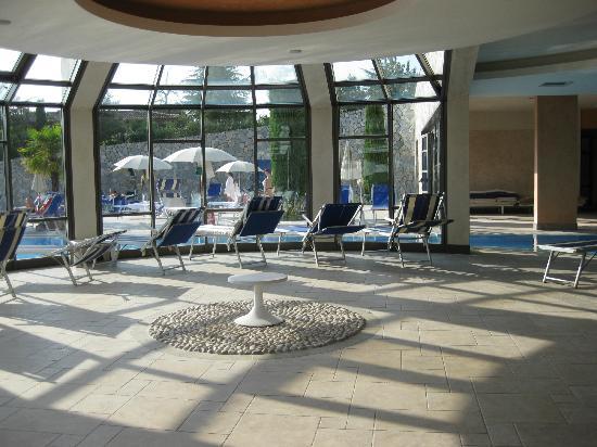 Hotel Sollievo Terme: vista da piscina interna