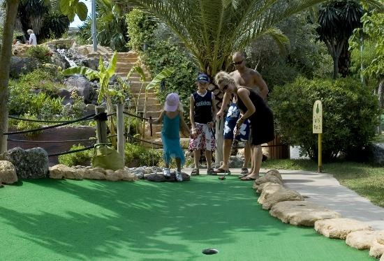Golf Fantasia : MINI GOLF for all to enjoy