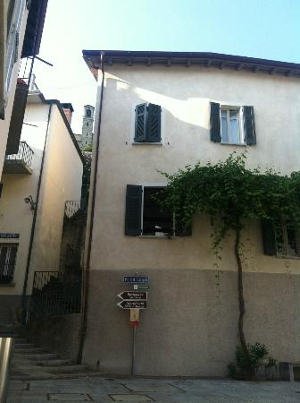 Guesthouse Castagnola: From the Town Square