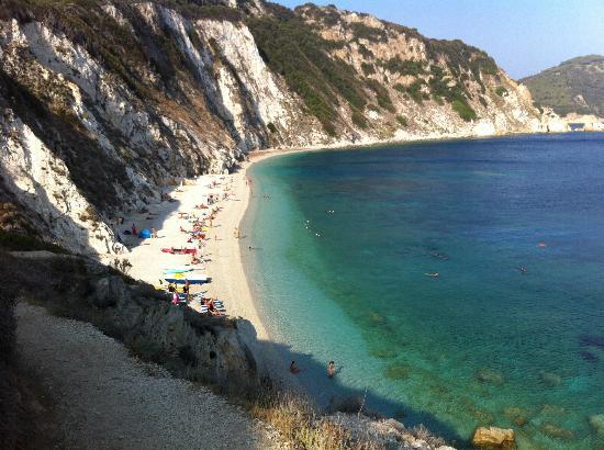 Portoferraio, Italien: spiaggia grande dall'alto