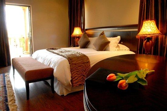 Velmore Hotel Estate : Bedroom