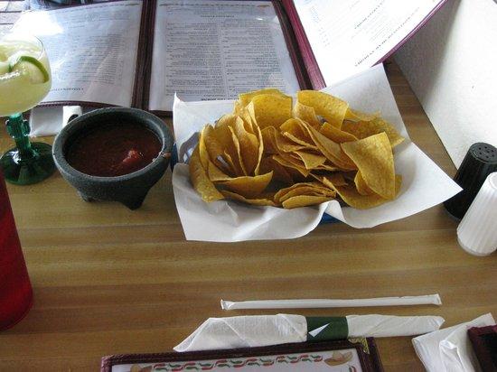 El Tequila Mexican Restaurant: Chips & Salsa