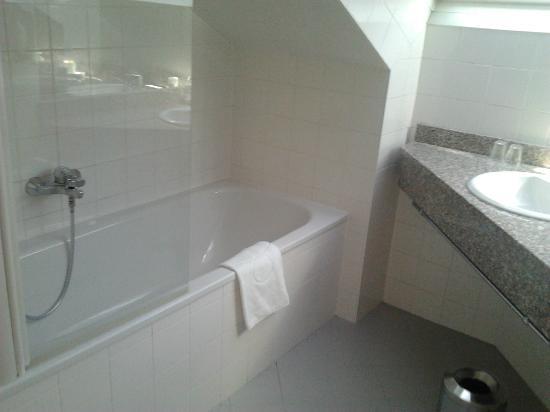 Starlight Suiten III Heumarkt: Baño