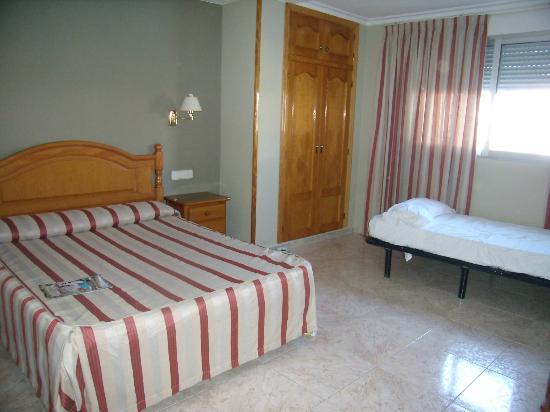 Hotel Noguera : Værelse til 3 prs.