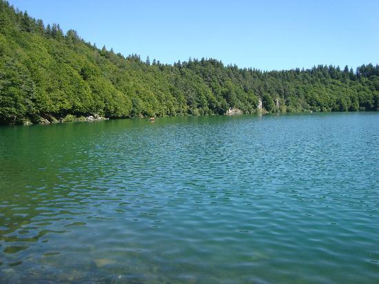 Auvergne, France : Lac Pavin