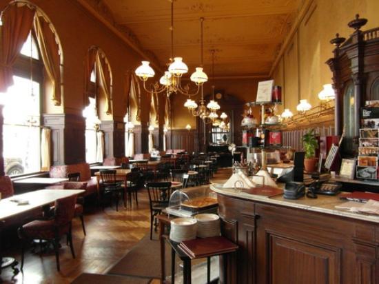 Cafe Sperl Hours