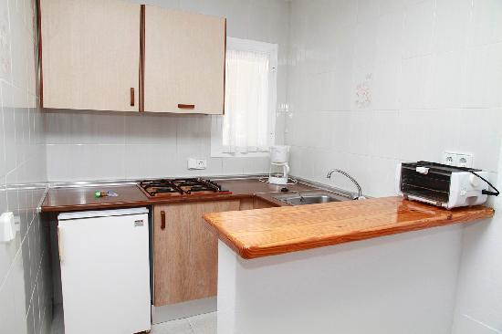 Apartamentos Los Arcos: cocina estudio