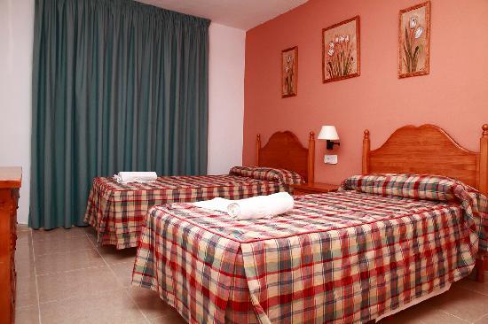Apartamentos Los Arcos: dormitorio apart grande