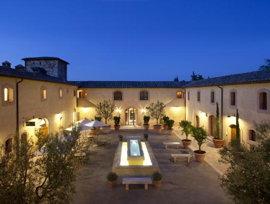 Castello di Casole Private Estate & Spa: Courtyard