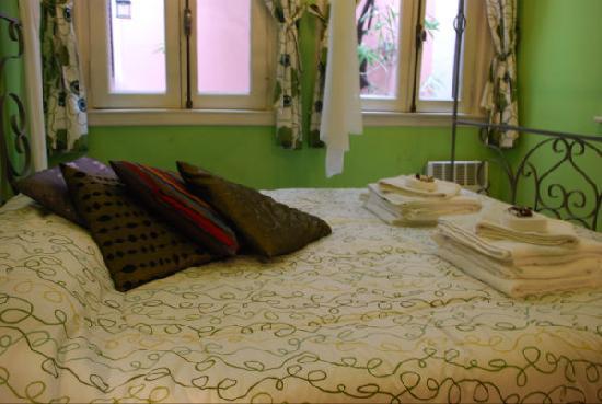 Petit Hotel El Vitraux: Suite Verde