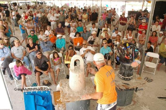 The Sand Lovers: Large Sand Sculpting Lessons, Demonstrations and Team Building