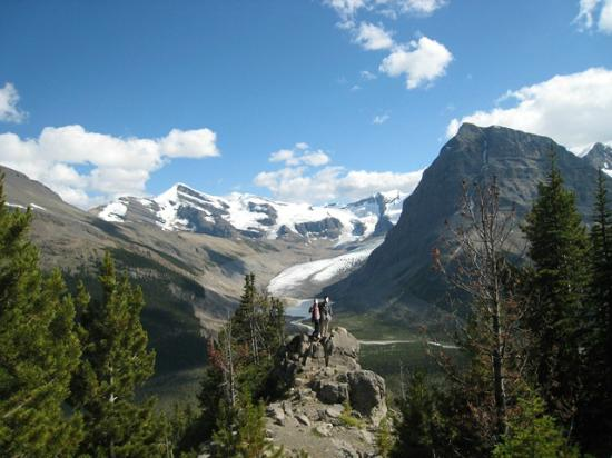 Canadian Rockies, Canada: Robson Glacier(ロブソン氷河)を臨む