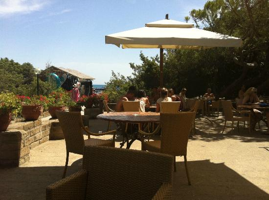 Hotel Residence Roccamare: bar spiaggia