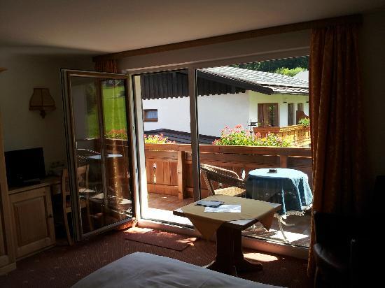 "Alpenhotel ""garni"" Weiherbach : Vue sur le balcon"
