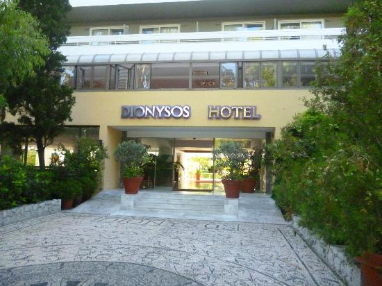Dionysos Hotel: Entrée de l'hôtel
