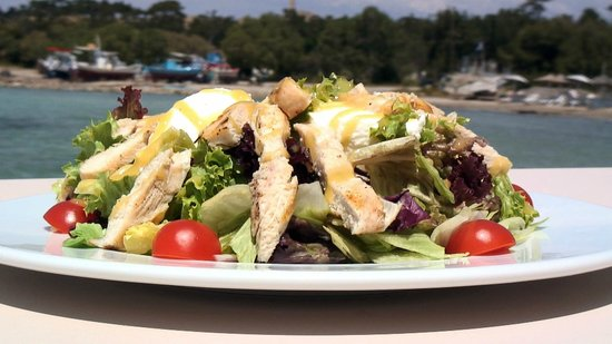 Plaza: green salad with chicken!!!