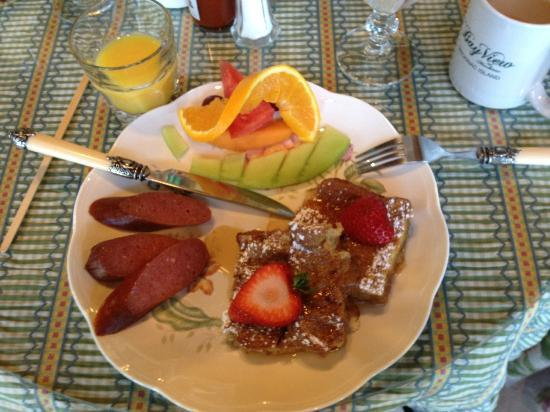Bay View of Mackinac Bed & Breakfast: Delicious Breakfast