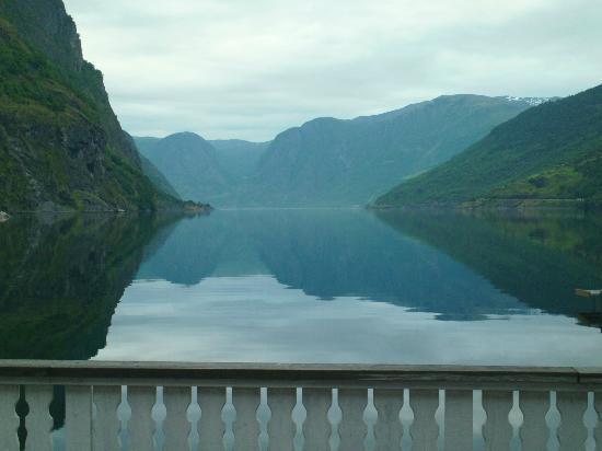 Flam Marina & Apartments: The fjord