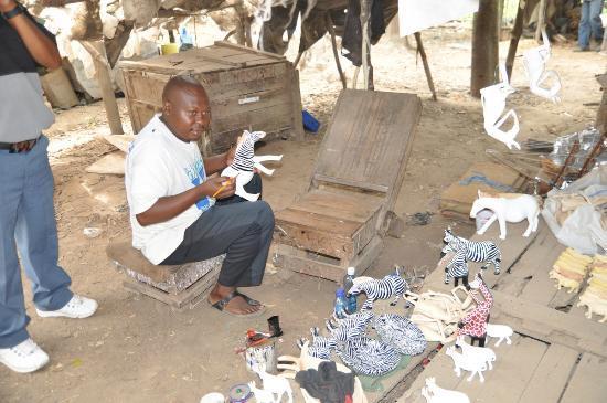 Akamba Handicraft : Painting