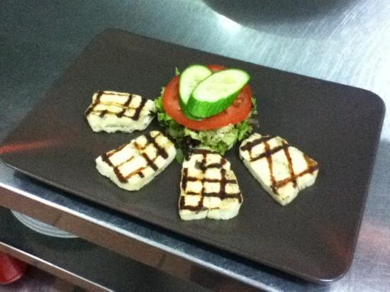 Krasares Restaurant: Grilled Halloumi.