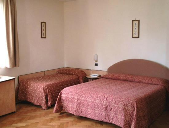 Hotel Ristorante Farese: Le camere
