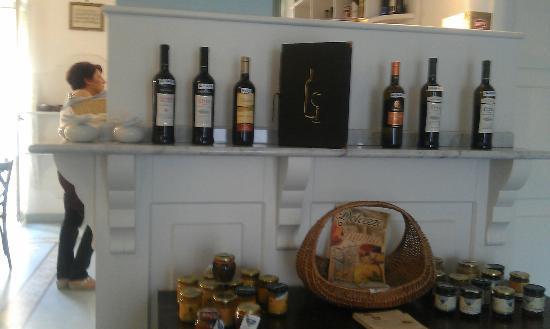 فيلا نيفيل: dining rom 