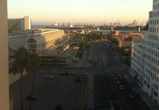 Residence Inn by Marriott Long Beach Downtown: 8th floor looking at the Queen Mary