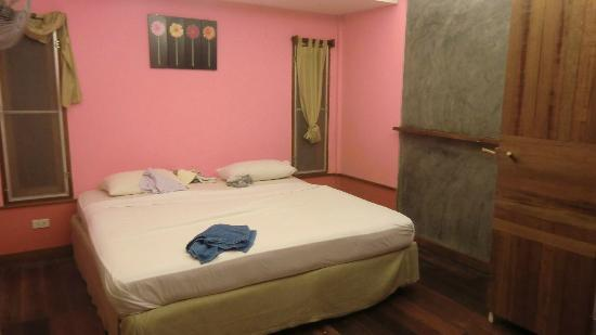 Thongtapan Resort: letto