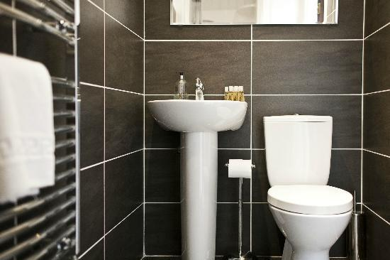 Maranatha House: Bathroom