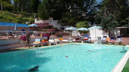 Hotel Moderno Chianciano: Piscina