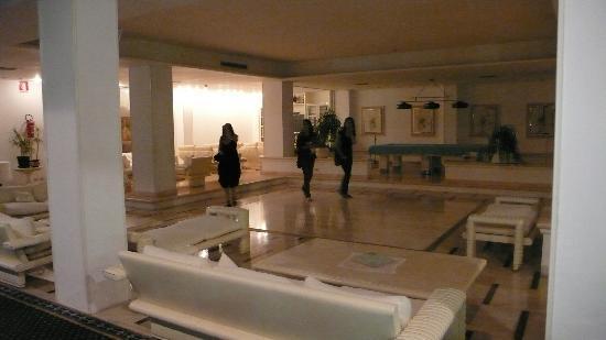 Hotel Moderno Chianciano: Hall