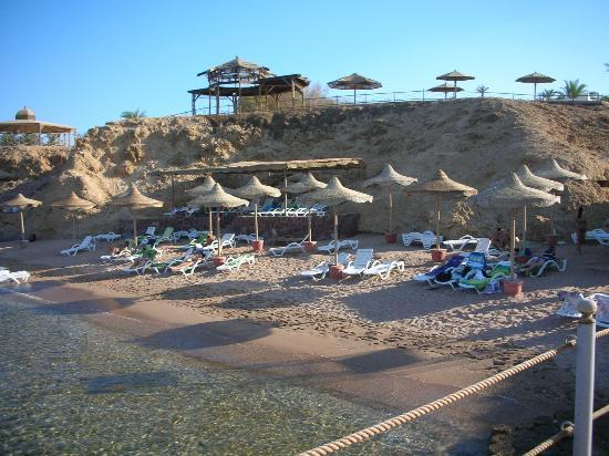 Club Reef Resort: spiaggia