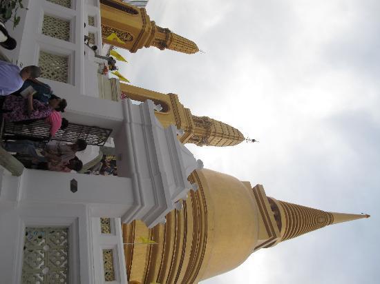 Wat Bowonniwet Vihara: Phra Ubosot
