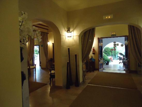 Hotel Tossal d'Altea: entrada hotel