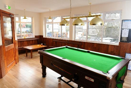 Braeval Hotel: Pool Room
