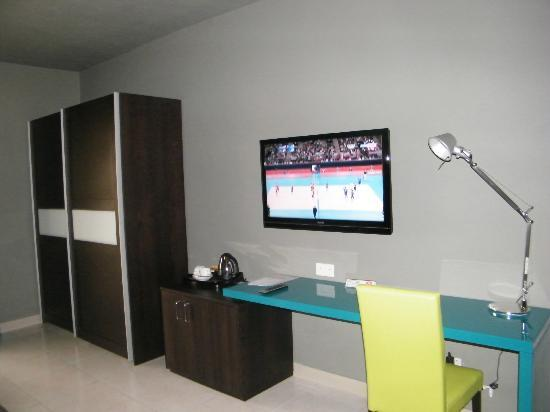 Argento Hotel: Nice flat screen TV and Wifi