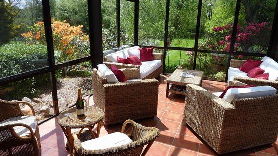 Mokoia Downs Estate B&B : Conservatory overlooking Gardens, Paddock and Lake