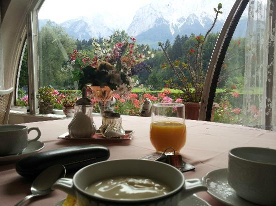 Hotel Hirth: View from the breakfast room