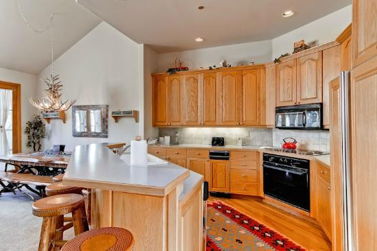 Ironwood Townhomes: Sample Kitchen