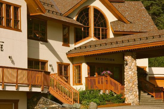 ذا بيناكل لودج: Lodge Entry