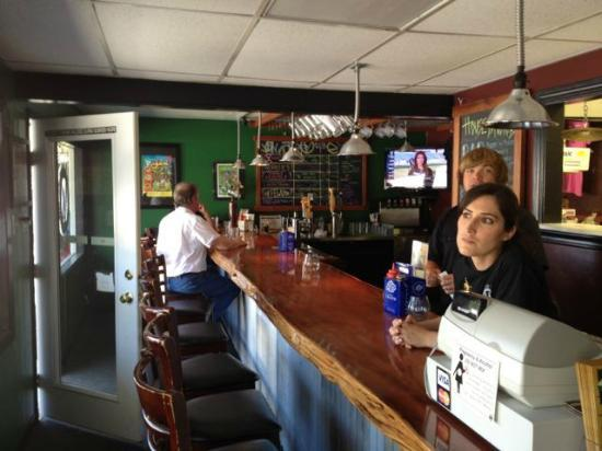 The Vista Pub: There is a friendly pub-feel to the atmosphere.