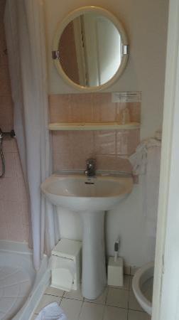 Castel Fleuri : La salle de bain
