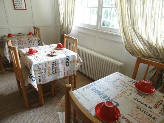 Castel Fleuri : salle des petits déjeuners