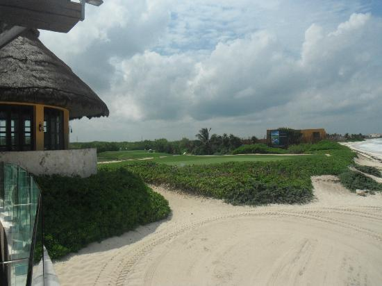 Fairmont Mayakoba: View of 16th(?) El Camaleon Hole from Las Brisas