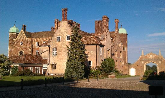 Madingley Hall: Tudor elegance