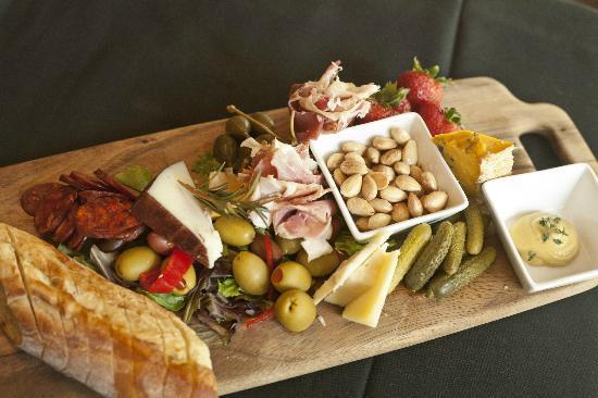 Nosh Restaurant and Wine Lounge: Nosh Board