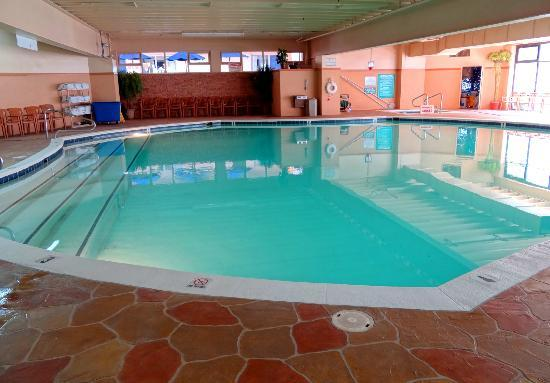 Carousel Resort Hotel & Condominiums: Indoor pool