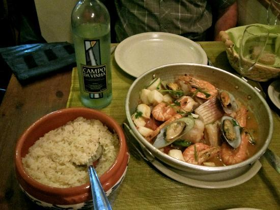Sr. Fado de Alfama: cataplana and good wine
